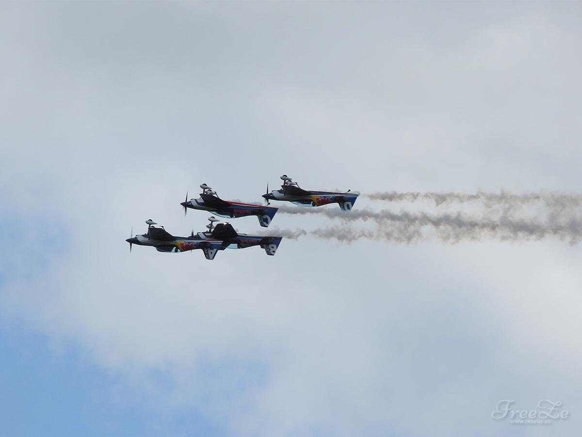 Aviatická pouť láká na Red Bull Air Race Demo a armádní letectvo