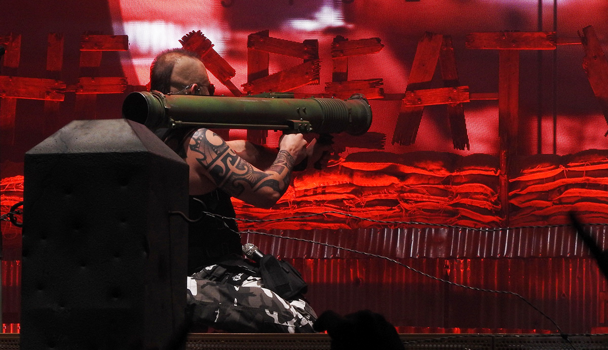 Sabaton a jejich hosté Amaranthe a Apocalyptica v Praze předvedli úchvatnou show